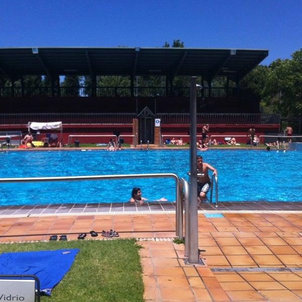 Polideportivo municipal jose mar a cagigal piscina en for Piscina polideportivo