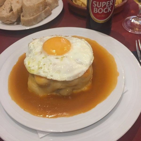 Foto tirada no(a) Oporto restaurante por Filipe V. em 7/8/2016