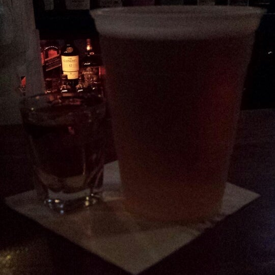 Photo taken at Hi-Ho Lounge by Lianna P. on 8/10/2014