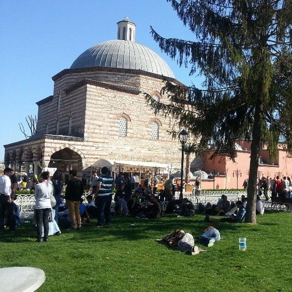 Das Foto wurde bei Ayasofya Hürrem Sultan Hamamı von Kenan K. am 4/13/2013 aufgenommen