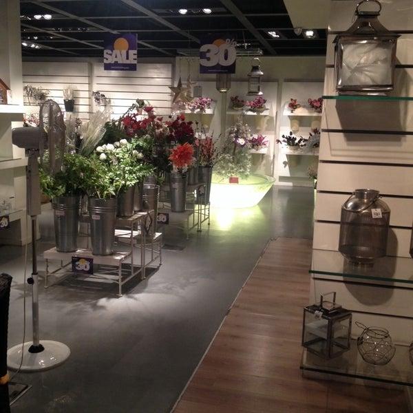 اکسیر - Furniture / Home Store In Tehran