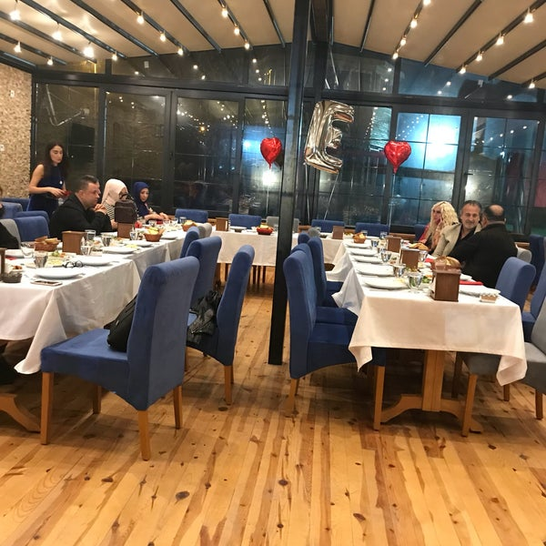 10/21/2017 tarihinde Koç Yeliz .ziyaretçi tarafından Gölköy Restaurant'de çekilen fotoğraf