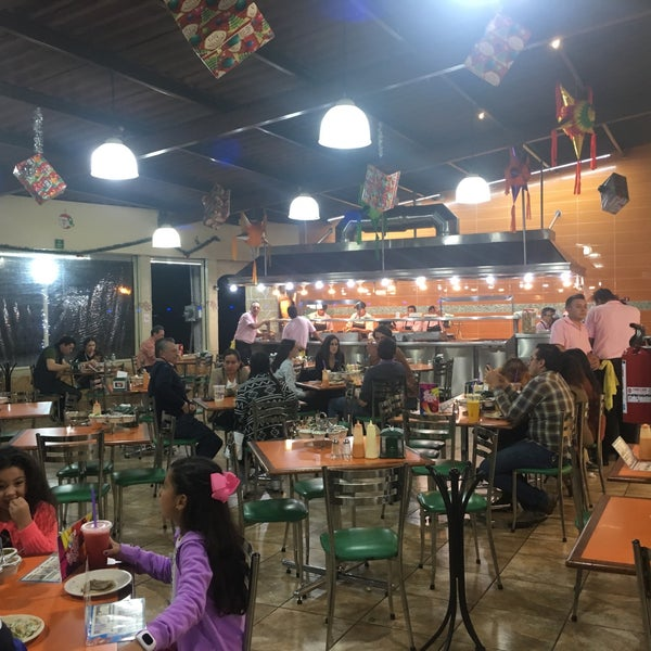 "You like tacos? This is the place to go! Try the ""orden de pastor"" and a ""licuado de nuez"""