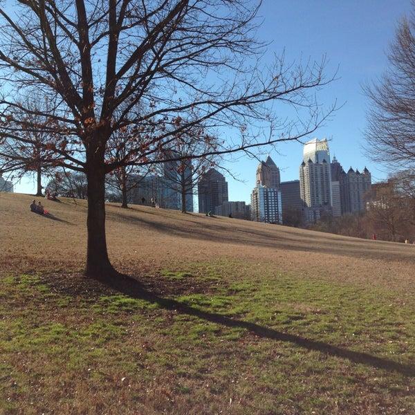 รูปภาพถ่ายที่ Piedmont Park โดย Lexi S. เมื่อ 2/24/2013