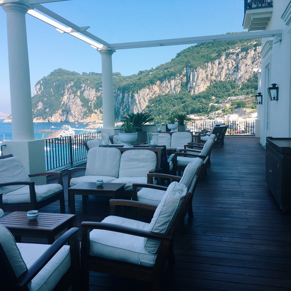 7/31/2016にZach H.がJK Place Capriで撮った写真
