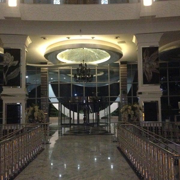 9/9/2013 tarihinde 🎭 Kamil I.ziyaretçi tarafından Q Premium Resort Hotel Alanya'de çekilen fotoğraf