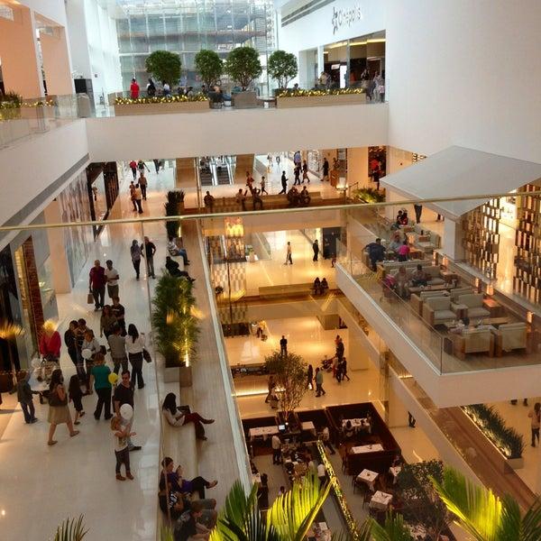 Photo taken at Shopping JK Iguatemi by Ketty B. on 4/13/2013