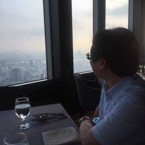 Photo taken at Namsan n Grill by hoongyeong j. on 8/18/2017