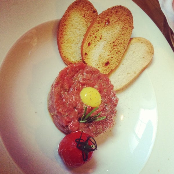 Foto tomada en Romeo's Bar & Kitchen por Ekaterina K. el 7/2/2013