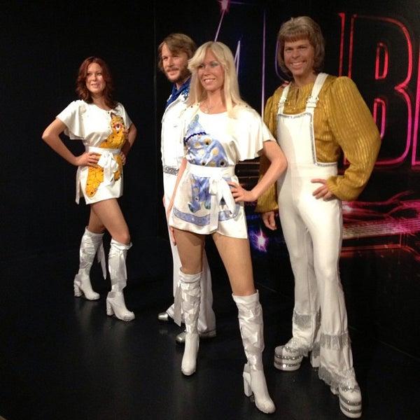 Photo taken at Madame Tussauds by Serbülent P. on 8/2/2013