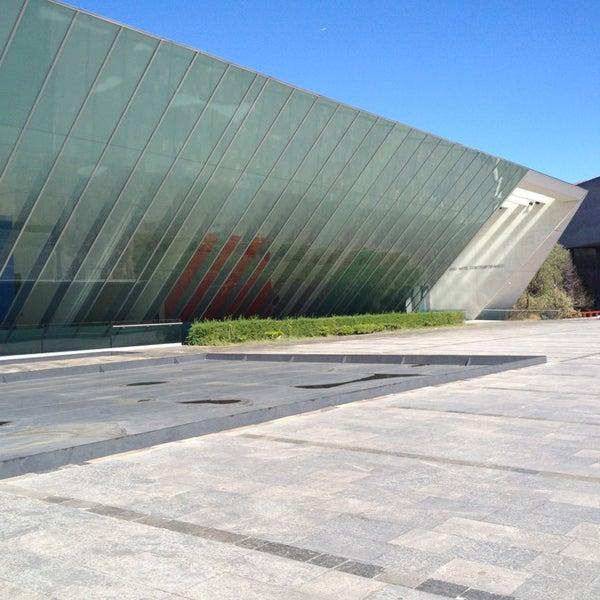 Foto tomada en MUAC (Museo Universitario de Arte Contemporáneo). por Ludwika 🌻 el 1/9/2013