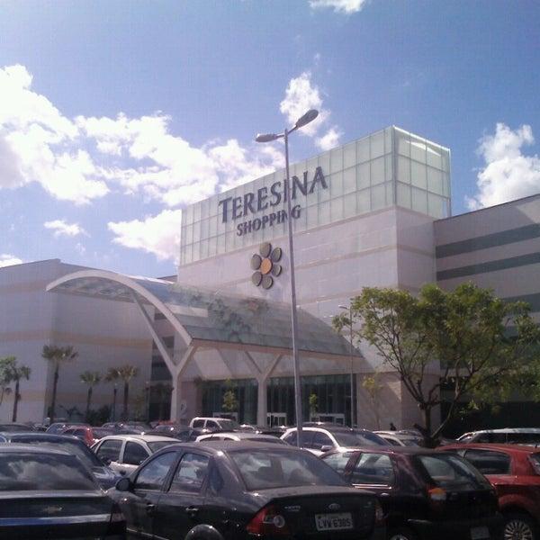 Foto tirada no(a) Teresina Shopping por Marcos S. em 7/14/2013