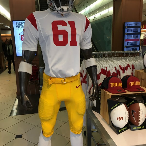 Photo taken at USC Bookstore (BKS) by Mike M. on 11/10/2017
