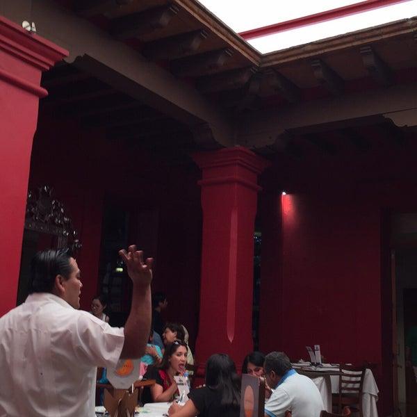 Foto tomada en Catedral Restaurante & Bar por Erika S. el 4/21/2017