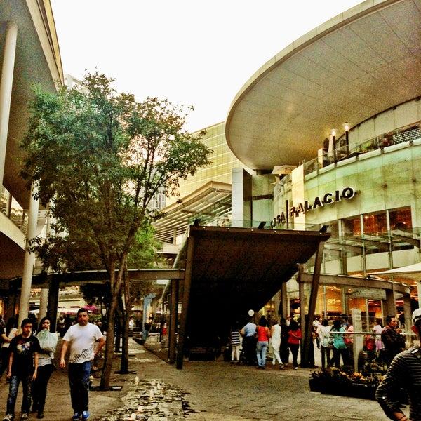Foto tomada en Antara Fashion Hall por Shai M. el 5/6/2013