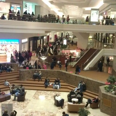 Photo taken at Woodfield Mall by Juan L. on 2/2/2013