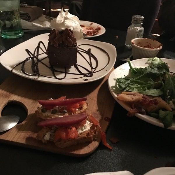 DaniS Dessert And Wine Bar