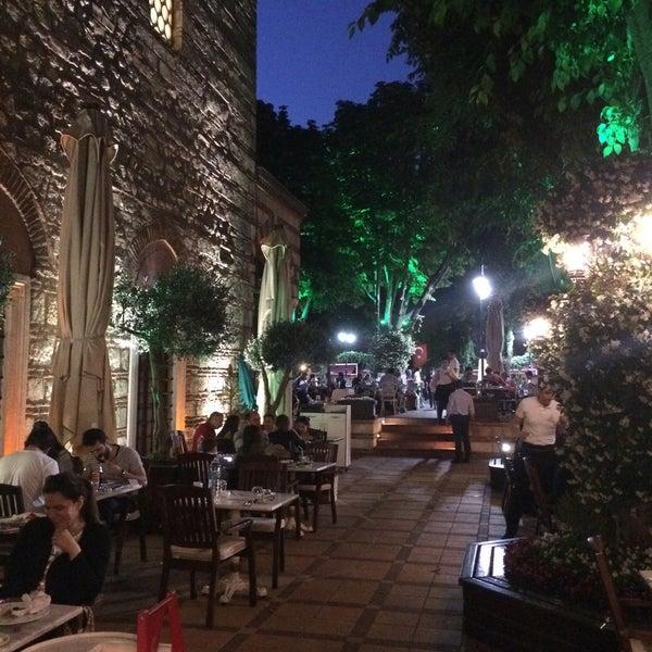 6/11/2017 tarihinde ✨Fatih✨ K.ziyaretçi tarafından Mihri Restaurant & Cafe'de çekilen fotoğraf