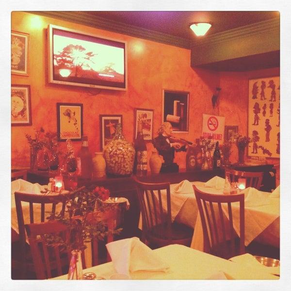 1/8/2013 tarihinde Alexandr S.ziyaretçi tarafından Cozy Bar&Restaurant'de çekilen fotoğraf