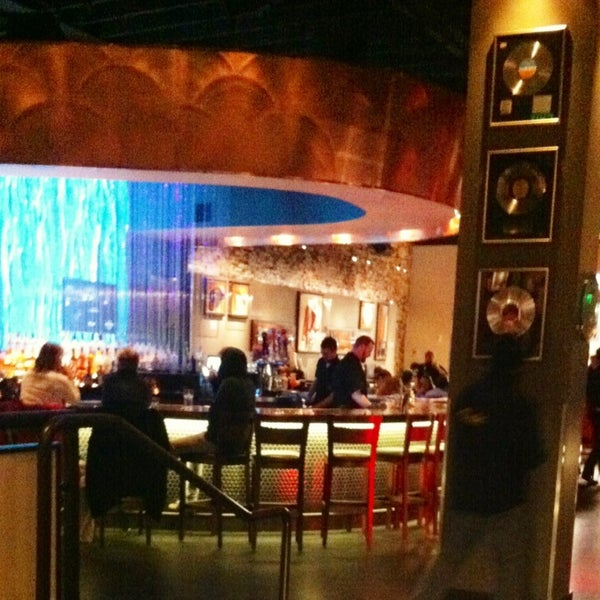 Photo taken at Hard Rock Cafe Nashville by Roxana A. on 2/17/2013