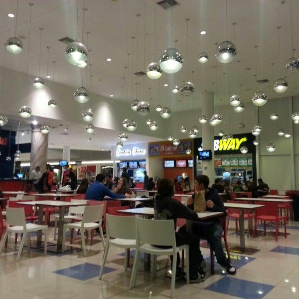 รูปภาพถ่ายที่ Costa Urbana Shopping โดย Raul F. เมื่อ 8/11/2013