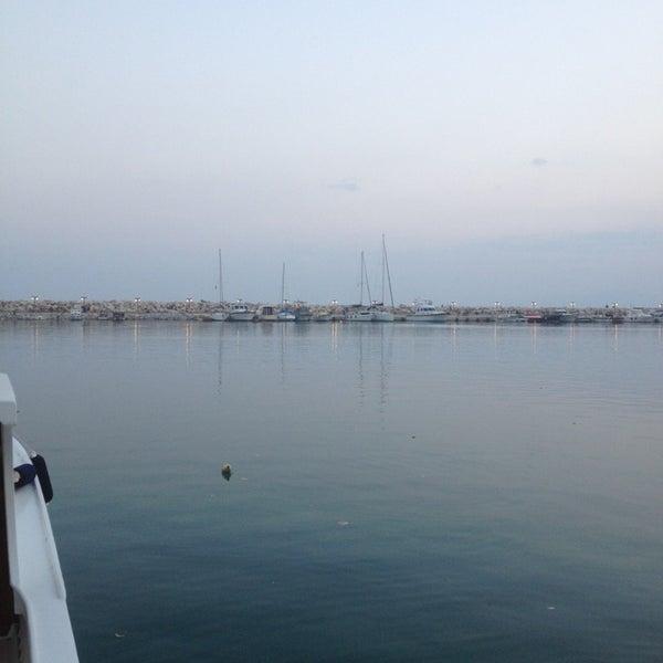 8/10/2013 tarihinde Ahmet D.ziyaretçi tarafından Küçükkuyu Limanı'de çekilen fotoğraf