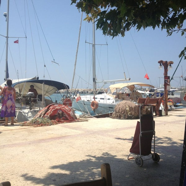 7/14/2013 tarihinde Ahmet D.ziyaretçi tarafından Küçükkuyu Limanı'de çekilen fotoğraf