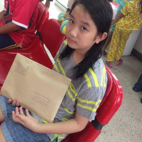 รูปภาพถ่ายที่ ไปรษณีย์ สายไหม โดย Mummy S. เมื่อ 8/8/2015