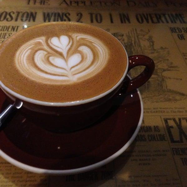 6/13/2013 tarihinde Leon S.ziyaretçi tarafından Thinking Cup'de çekilen fotoğraf
