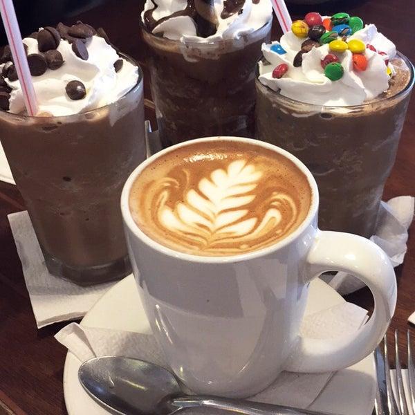Foto tomada en Rico's Café Zona Dorada por Jackie H. el 7/31/2017