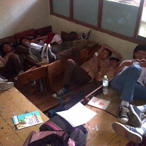 Foto diambil di SMA Negeri 25 Bandung oleh Maugi A. pada 2/7/2013