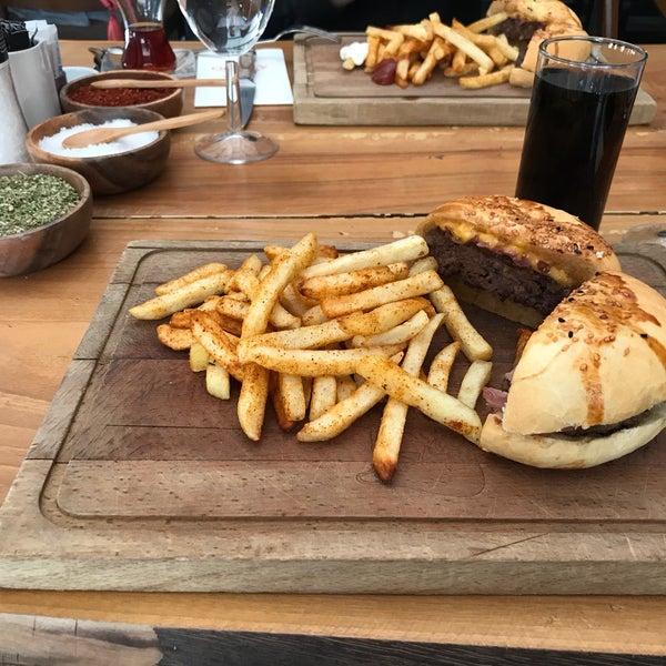 7/14/2018 tarihinde Muratziyaretçi tarafından Assado Steak House'de çekilen fotoğraf