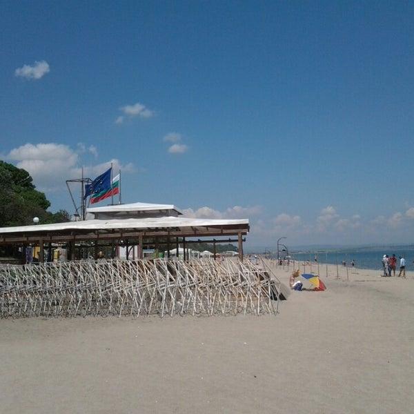 Foto scattata a Централен Плаж Бургас (Burgas Central Beach) da Oliver G. il 5/16/2013