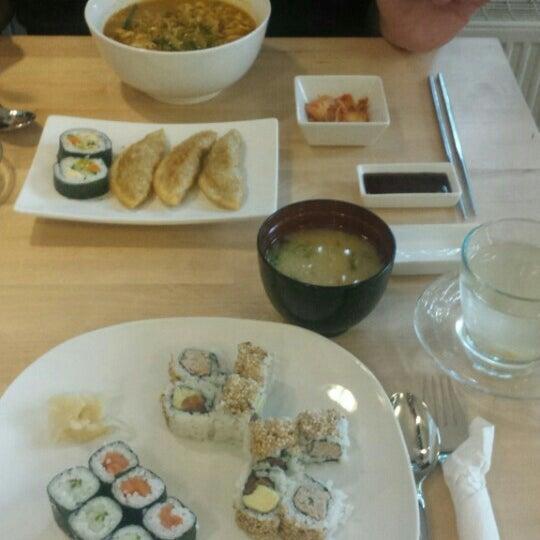 Das Foto wurde bei Kooki Asian Kitchen von Annika am 9/1/2015 aufgenommen