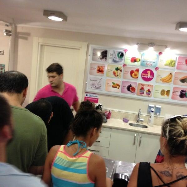 9/1/2013 tarihinde Merihziyaretçi tarafından Dondurma Dükkanı'de çekilen fotoğraf