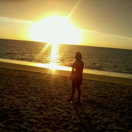Foto tirada no(a) Praia de Paripueira por Lindsey M. em 1/25/2013