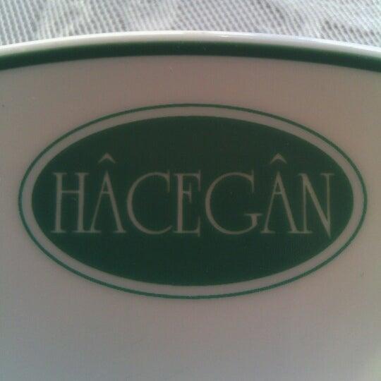 4/23/2013 tarihinde Ömer T.ziyaretçi tarafından Hacegan Restaurant'de çekilen fotoğraf