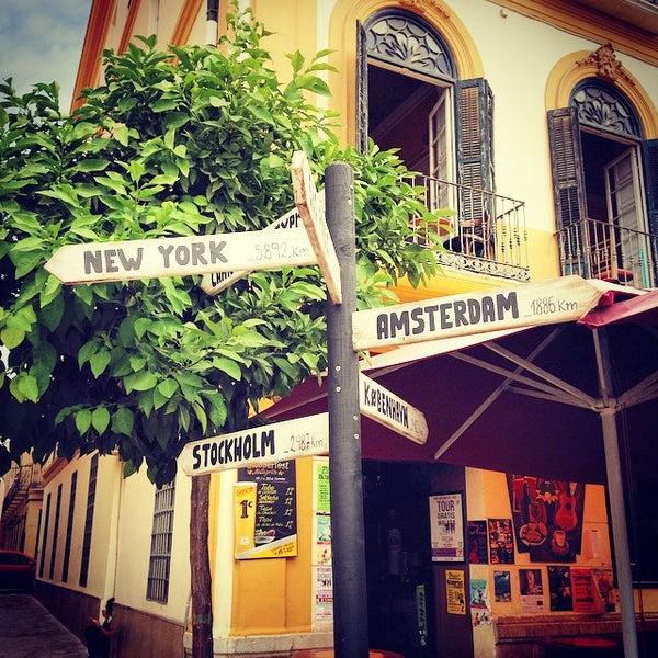 10/2/2014 tarihinde Alexanderziyaretçi tarafından Café con Libros'de çekilen fotoğraf