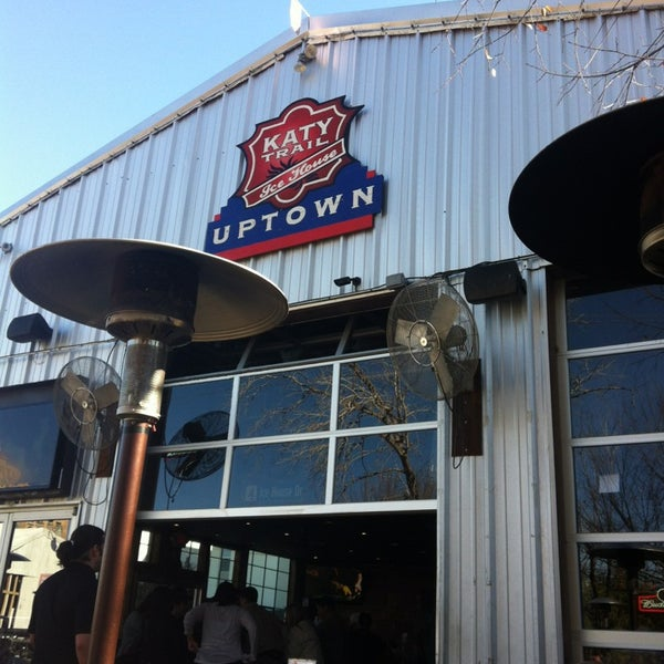 Photo taken at Katy Trail Ice House by Nancy Y. on 1/6/2013