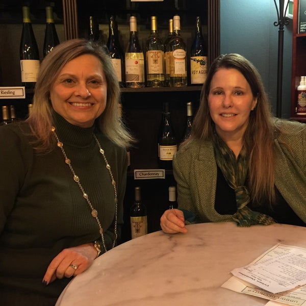 Photo taken at Urban Decanter by Tammy S. on 2/4/2015