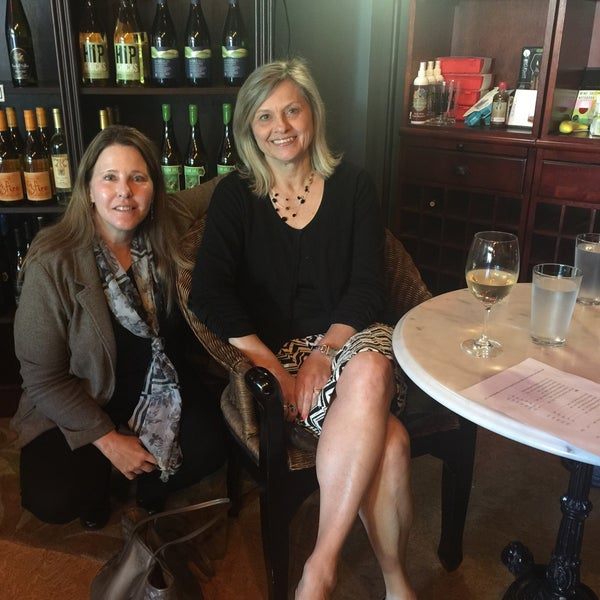 Photo taken at Urban Decanter by Tammy S. on 4/28/2015