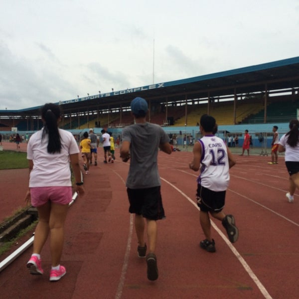 Photo taken at Iloilo Sports Complex by Pherzon on 8/4/2014