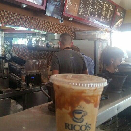 Foto tomada en Rico's Café Zona Dorada por Erik Quintero M D. el 11/3/2015
