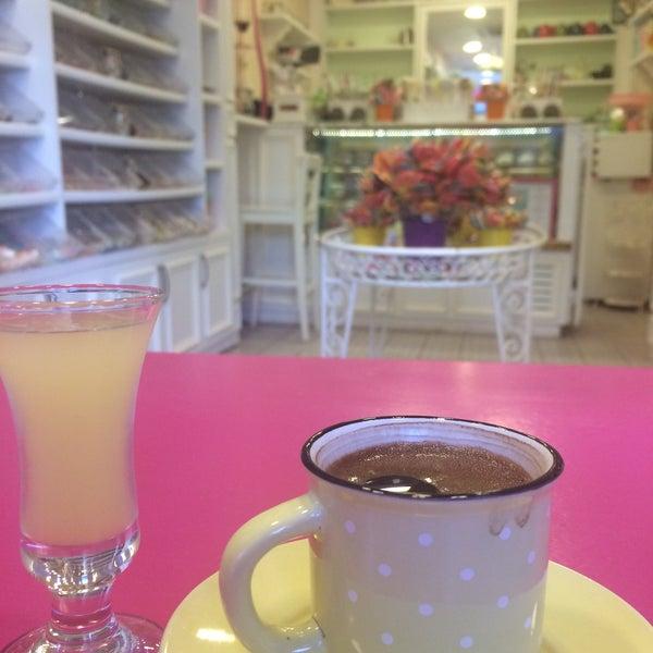 7/15/2018 tarihinde Ferhat Ş.ziyaretçi tarafından Büyükada Şekercisi Candy Island Cafe Patisserie'de çekilen fotoğraf