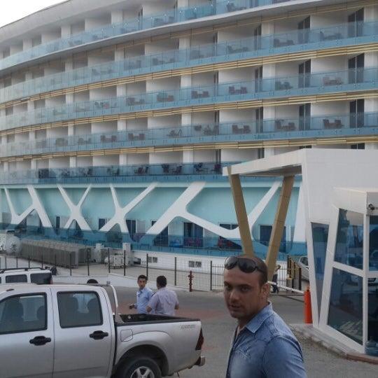5/30/2013 tarihinde Halukziyaretçi tarafından Vikingen Infinity Resort Hotel & Spa'de çekilen fotoğraf