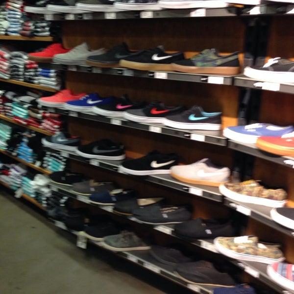 Del amo clothing stores