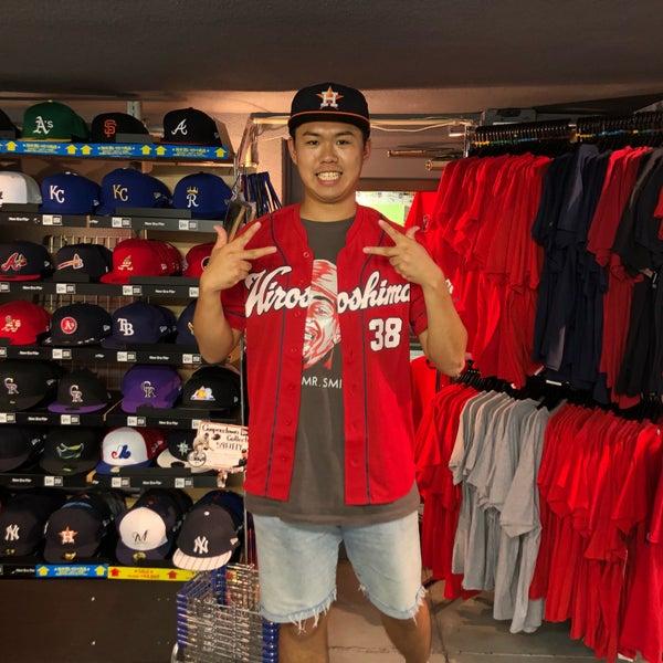 8/30/2018にフジエスキ グ.がSELECTION 新宿店 ベースボール館で撮った写真