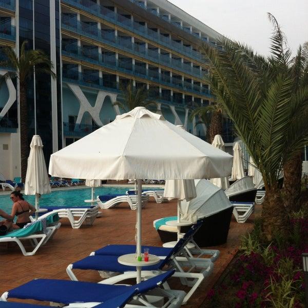 5/9/2013 tarihinde Özdemir Y.ziyaretçi tarafından Vikingen Infinity Resort Hotel & Spa'de çekilen fotoğraf