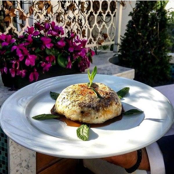 5/17/2016 tarihinde Onur €√ziyaretçi tarafından Matbah Restaurant'de çekilen fotoğraf