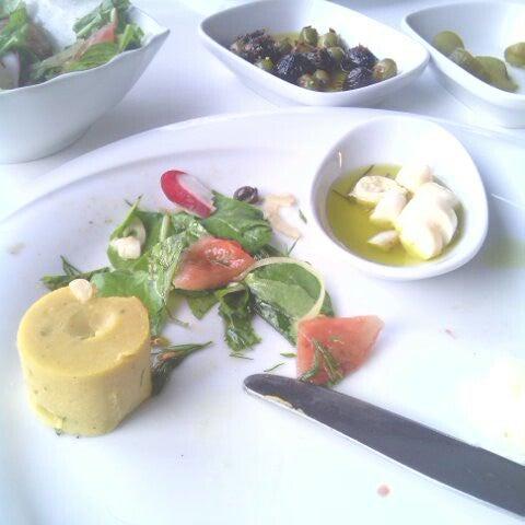 5/26/2013 tarihinde Burcu S.ziyaretçi tarafından Kalkan Balık Restaurant'de çekilen fotoğraf